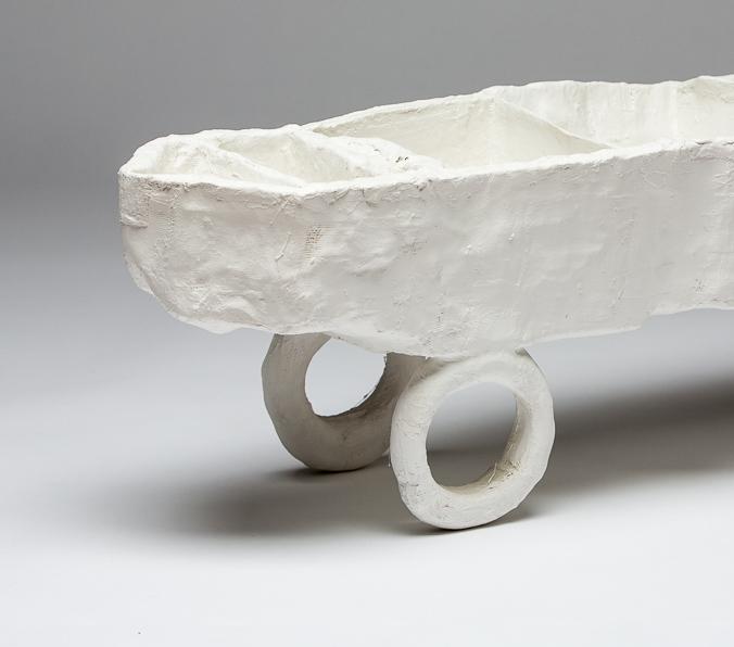 Objekt, o.T., 1993, 31x101x21 cm, Gips, Stoff, Holz, Farbe