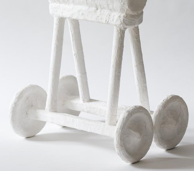 Objekt, o.T., 2018, 52x48x30 cm, Stoff, Gips, Holz, Farbe