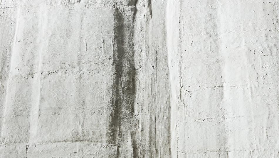 Objekt, geklebt, 2018, 12x95x63 cm, Papier, Gips, Farbe